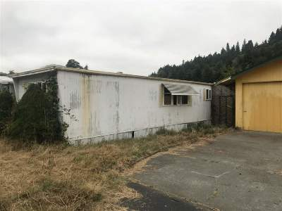 Klamath Single Family Home For Sale: 51 Redwood Road