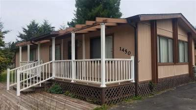 Crescent City CA Single Family Home Back Up: $189,000