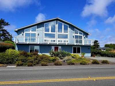 Crescent City Single Family Home For Sale: 1485 Pebble Beach Drive