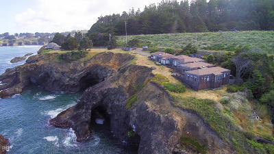 Mendocino CA Single Family Home For Sale: $2,100,000