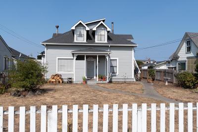 Fort Bragg Single Family Home For Sale: 627 Stewart Street