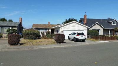 Fort Bragg Single Family Home For Sale: 409 Wall Street
