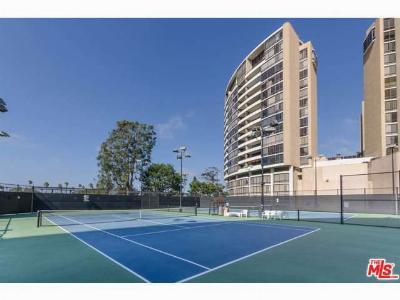 Marina Del Rey Condo/Townhouse Sold: 4316 Marina City Drive #208G