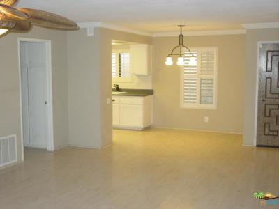 Palm Springs CA Condo/Townhouse For Sale: $165,000