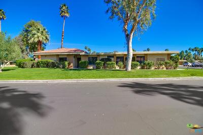 Palm Springs Condo/Townhouse For Sale: 1100 Holly Oak Circle