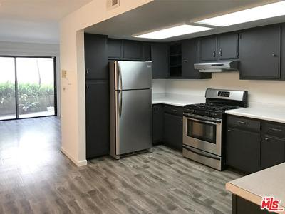 Inglewood Condo/Townhouse Sold: 620 West Hyde Park #122