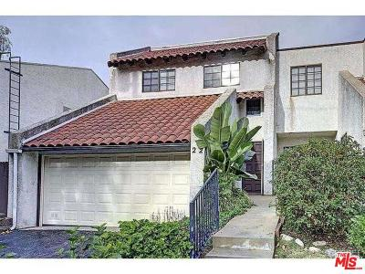 Agoura Hills Condo/Townhouse For Sale: 5275 Colodny Drive #22