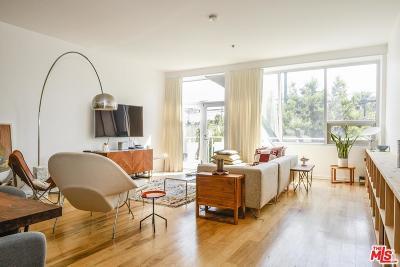 Condo/Townhouse For Sale: 615 Hampton Drive #B201