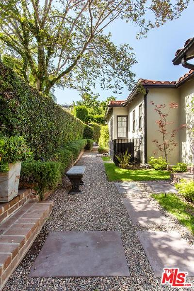 Sunset Strip - Hollywood Hills West (C03) Single Family Home For Sale: 1427 Queens Road