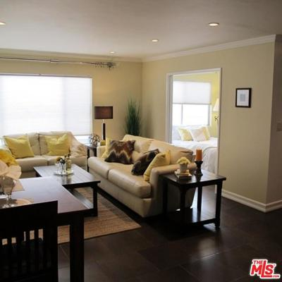 West Hollywood Condo/Townhouse For Sale: 1045 North Kings Road #204