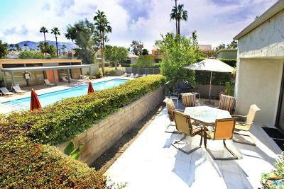 Palm Springs Condo/Townhouse For Sale: 2068 South La Merced Way