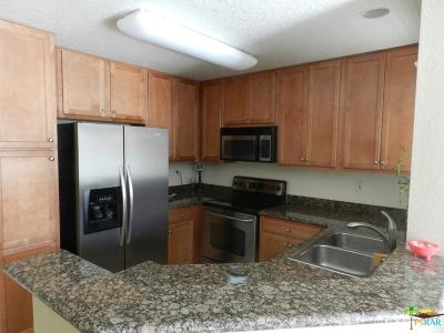 Bermuda Dunes Condo/Townhouse For Sale: 78650 Avenue 42 #2211