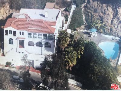 Los Angeles Single Family Home For Sale: 8437 Hollywood Boulevard