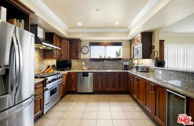 Los Angeles Condo/Townhouse For Sale: 1878 Greenfield Avenue #PH6