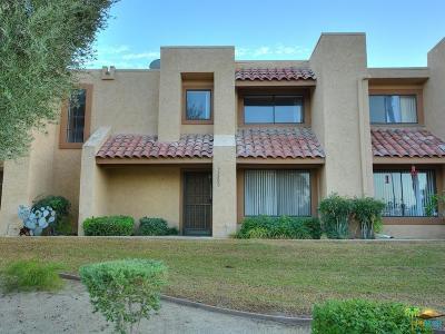Palm Desert Condo/Townhouse For Sale: 73800 Pinon Court