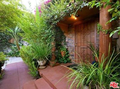 Los Angeles County Residential Income For Sale: 905 North Genesee Avenue