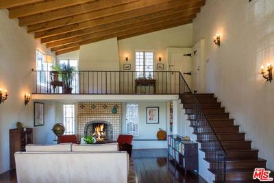 Hollywood Hills East (C30) Single Family Home For Sale: 2752 Hollyridge Drive