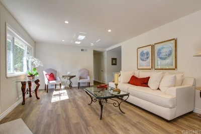 Beverly Hills Single Family Home For Sale: 340 South Oakhurst Drive