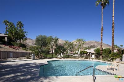 Palm Desert Condo/Townhouse For Sale: 48595 Oakwood Way