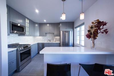 Los Angeles Condo/Townhouse For Sale: 2021 Hillhurst Avenue #4