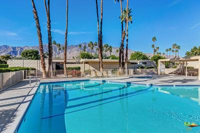 Palm Springs Condo/Townhouse For Sale: 132 Eastlake Drive