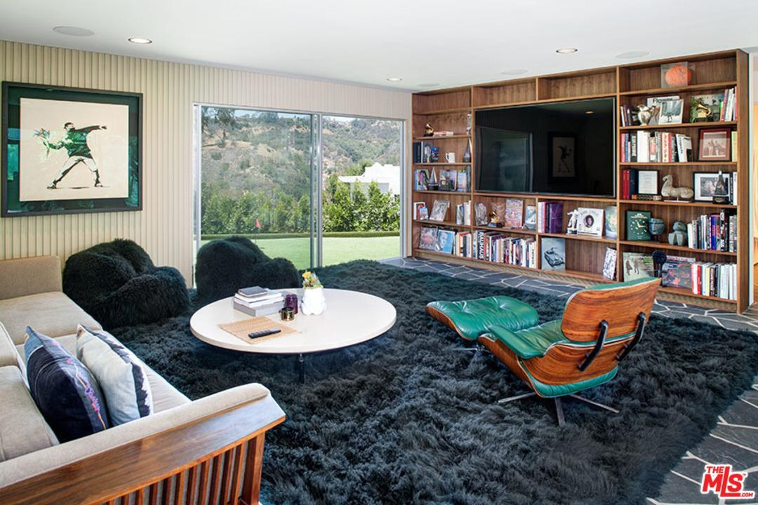 Listing: 2880 Benedict Canyon Drive, Beverly Hills, CA.| MLS# 17292398 |  Tim Byk | 310 864 5516 | Los Angeles CA Homes For Sale