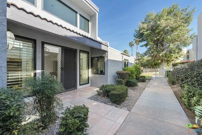 Palm Springs Condo/Townhouse For Sale: 225 East La Verne Way