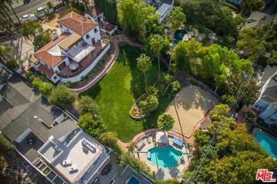 Sherman Oaks Single Family Home For Sale: 14547 Valley Vista