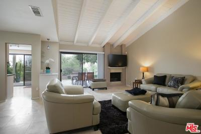 Palm Desert Condo/Townhouse For Sale: 72572 Rolling Knolls Drive