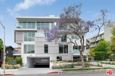 Los Angeles County Condo/Townhouse For Sale: 1345 Havenhurst Drive #4