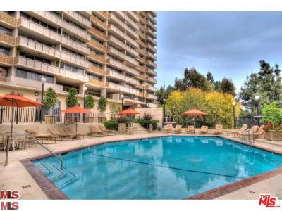 Los Angeles County Condo/Townhouse For Sale: 8787 Shoreham Drive #103