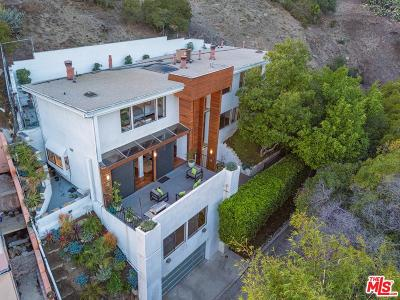 Los Angeles Single Family Home For Sale: 5659 Holly Oak Drive