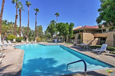 Palm Springs Condo/Townhouse For Sale: 680 North Ashurst Court #102