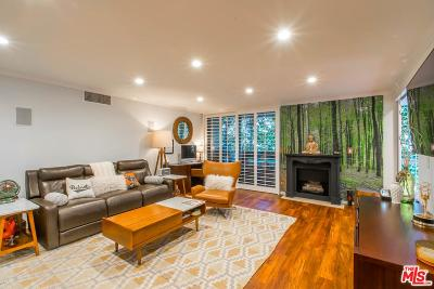 Los Angeles County Condo/Townhouse For Sale: 8530 Holloway Drive #227