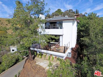 Los Angeles Single Family Home For Sale: 6111 Rodgerton Drive