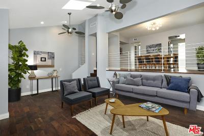 Studio City Condo/Townhouse For Sale: 11806 Moorpark Street #K