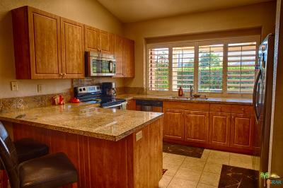 Palm Desert Condo/Townhouse For Sale: 76797 Scirocco Road