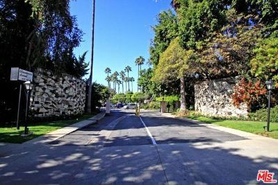Los Angeles Condo/Townhouse For Sale: 239 South Barrington Avenue #F2