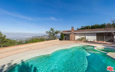 Single Family Home For Sale: 8338 Skyline Drive