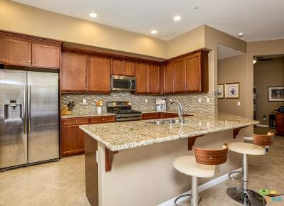 Palm Desert Condo/Townhouse For Sale: 2101 Via Calderia