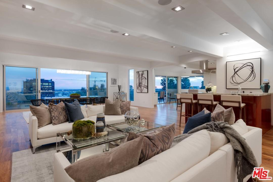 Listing 8954 St Ives Drive Los Angeles