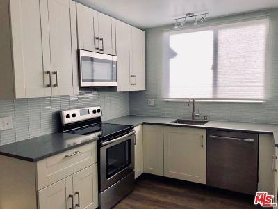 Encino Condo/Townhouse For Sale: 5429 Newcastle Avenue #312