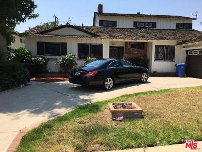 Los Angeles Single Family Home For Sale: 5227 South Holt Avenue