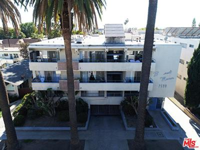 West Hollywood Residential Income For Sale: 7530 Hampton Avenue #101