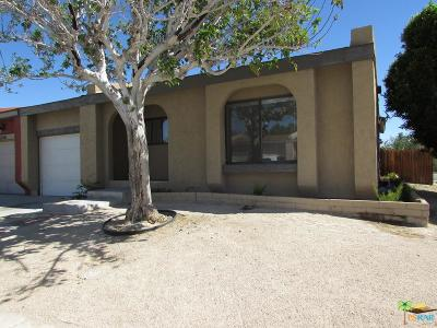 Palm Springs Single Family Home For Sale: 3230 North Sandspring Drive