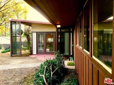 Woodland Hills Single Family Home For Sale: 4977 Canoga Avenue