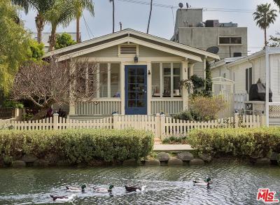 Venice Single Family Home For Sale: 412 Carroll Canal