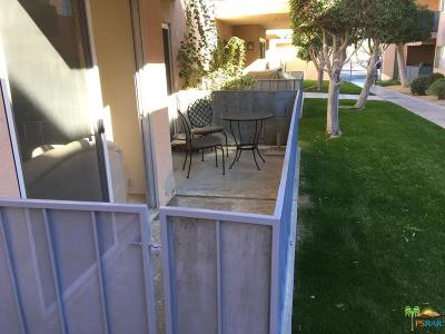 Palm Springs CA Condo/Townhouse For Sale: $129,000
