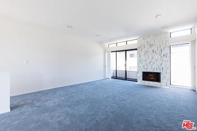 Los Angeles Condo/Townhouse For Sale: 11982 Kiowa Avenue #205