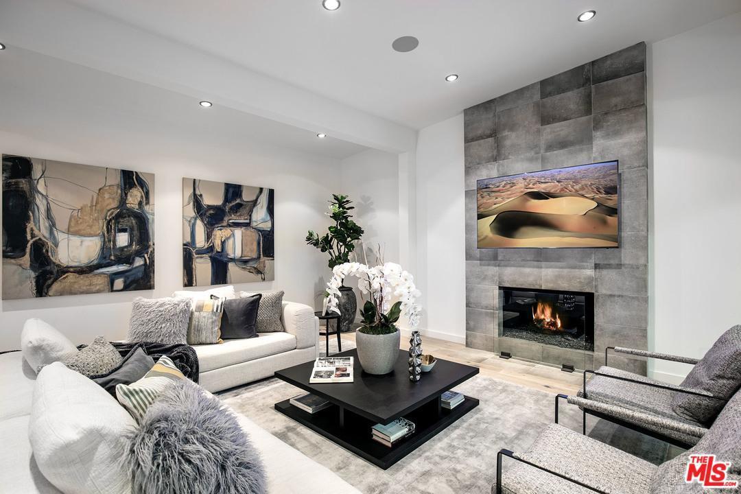 Listing: 7470 Woodrow Wilson Drive, Los Angeles, CA.| MLS# 18331800 | Joan  Fitzpatrick | 310 428 5626 | Los Angeles CA Homes For Sale